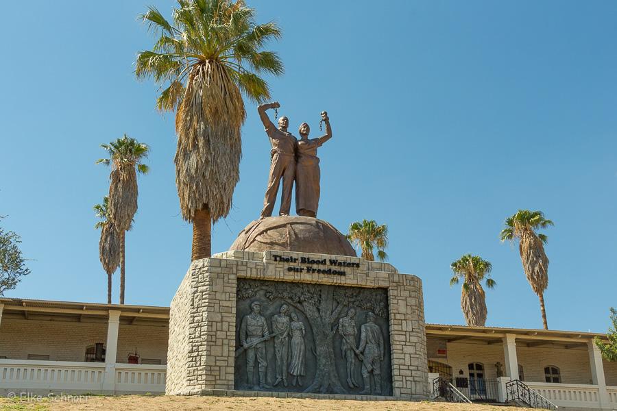 2019-Namibia-02-10.jpg